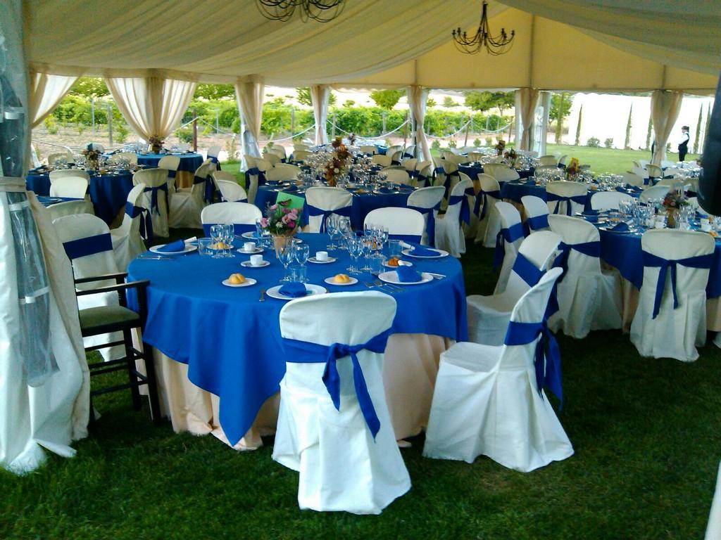 Conjunto Blanco y Azul con Fajines